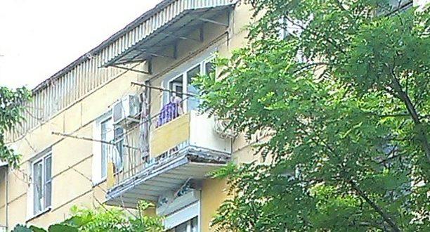 независимая крыша на балконе